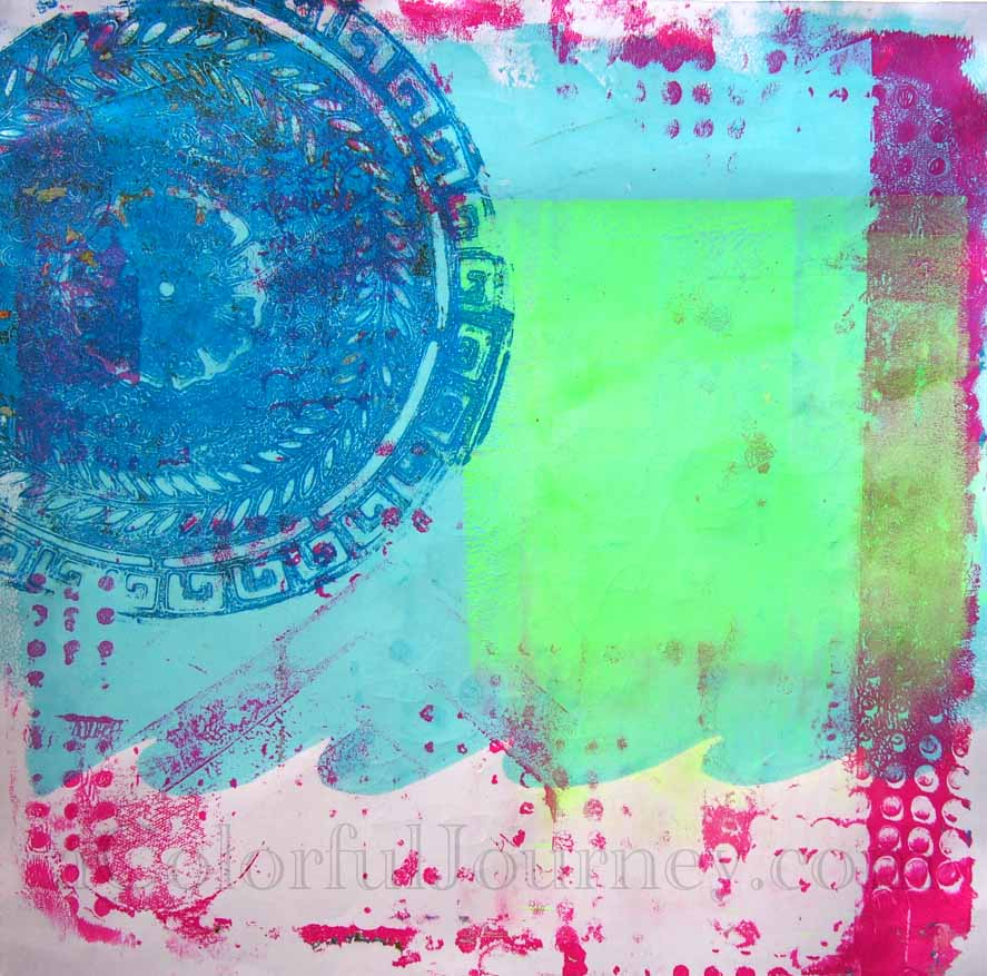 Video tutorial using the  round Gelli Plate with a stencil with Carolyn Dube