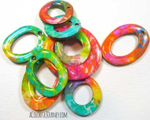 Video showing how a novice jewelry maker used Gelli prints to make a colorful necklace!