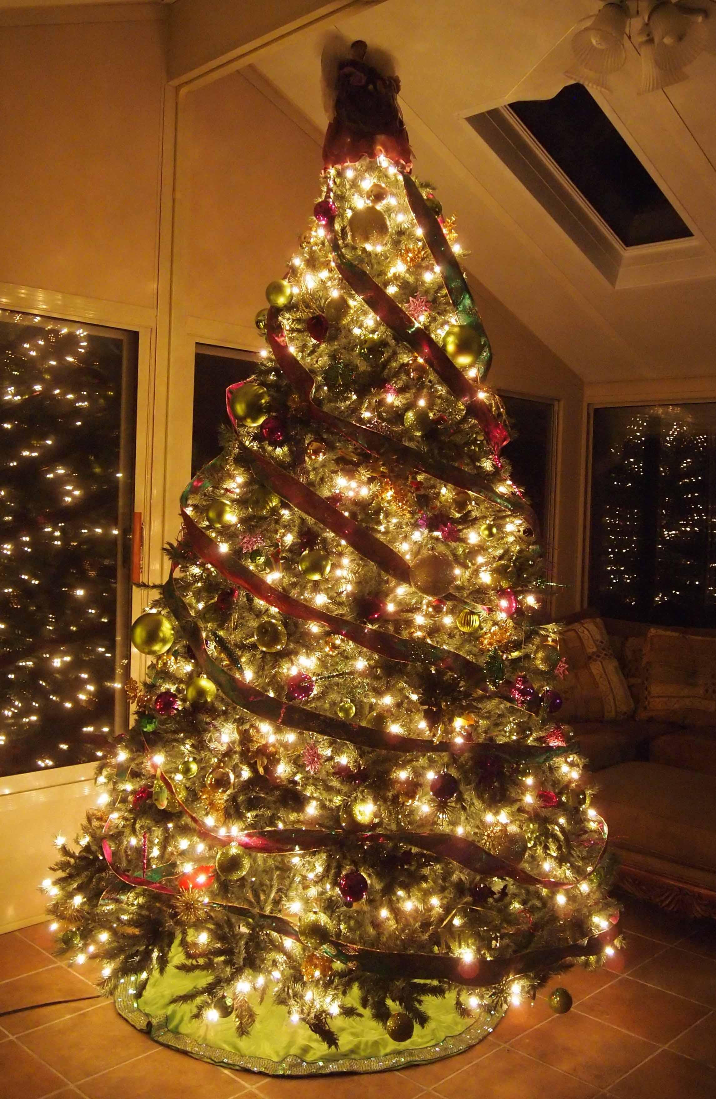 Christmas Tree Aholics Anonymous Carolyn Dube
