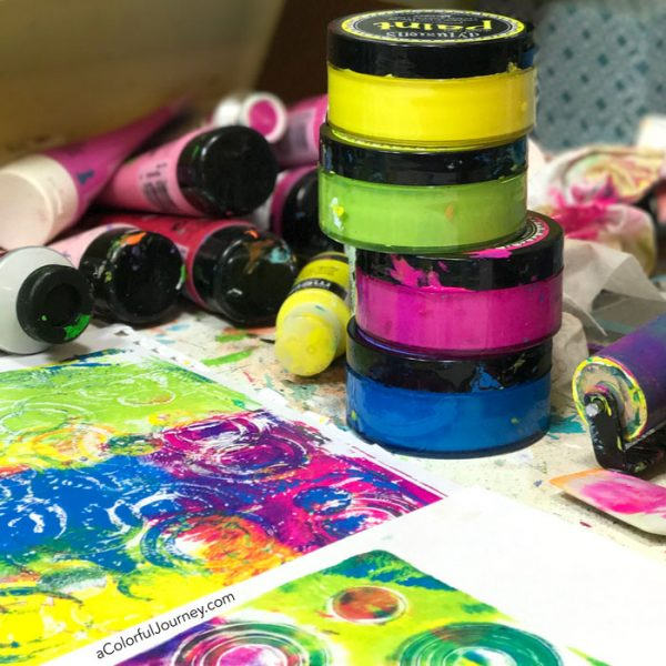 Video tutorial using Impressables Gel Press plate and Dylusions paints by Carolyn Dube