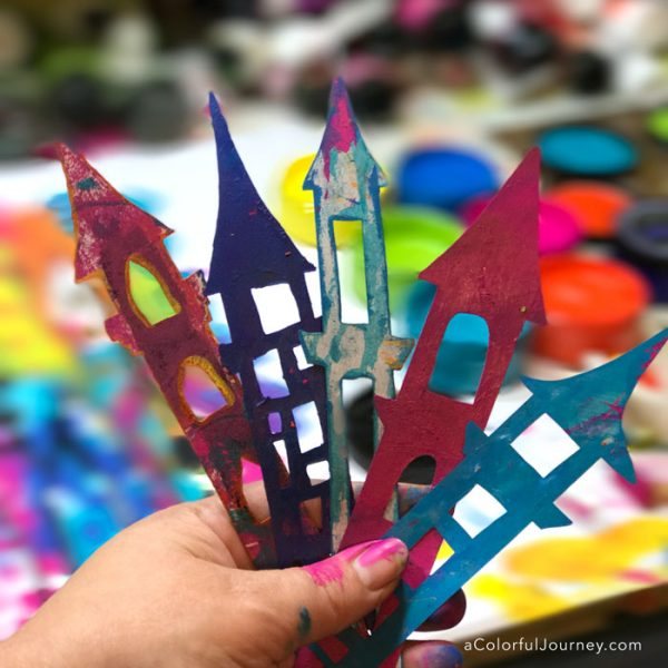 Using the 3 second rules to get unstuck while stenciling castles with Dylusions paints